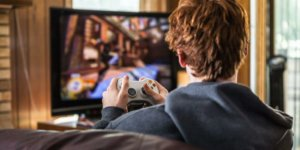 How to use Discord on Xbox to show your friends what games you're playing