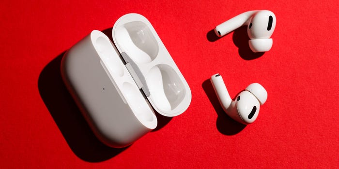 How to connect two pairs of AirPods to one iPhone, and share music wirelessly with your friends