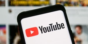 How to play YouTube videos in the background on your iPhone, without having to keep the app open