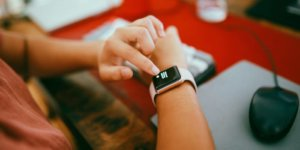 How to take a screenshot on Apple Watch and where to find your screenshots